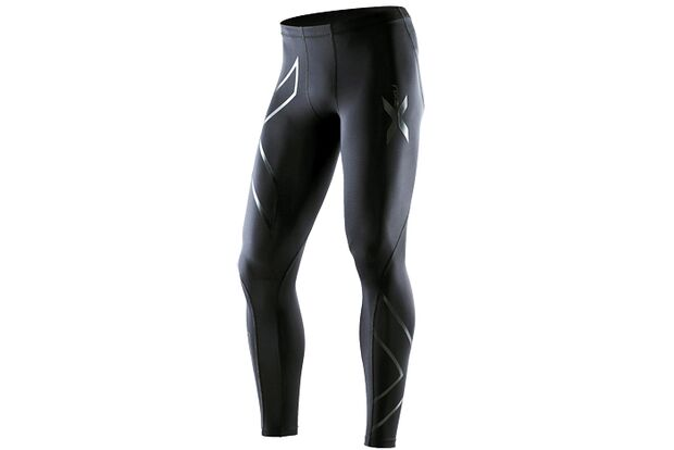 RB-1012-Teststrecke-Ausprobiert-Bekleidung-Equipment-2XU-Mens-Recovery-Comp-Tights (jpg)
