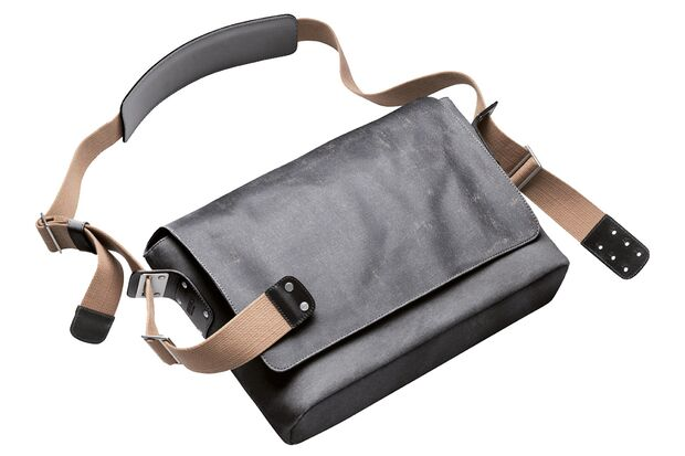 RB-Brooks-Barbican-Shoulder-Bag