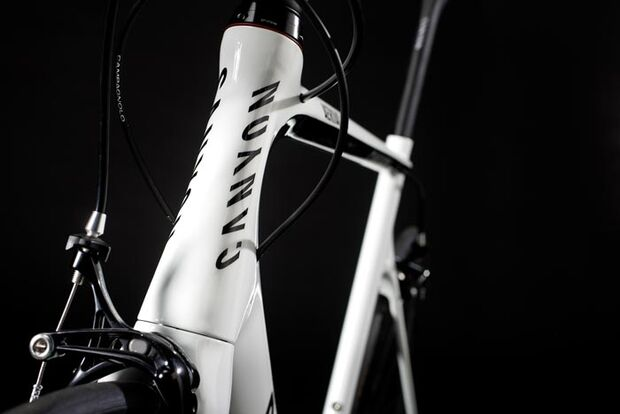 RB_Canyon_Aeroad_CF_2011R16_head_tube_front (jpg)