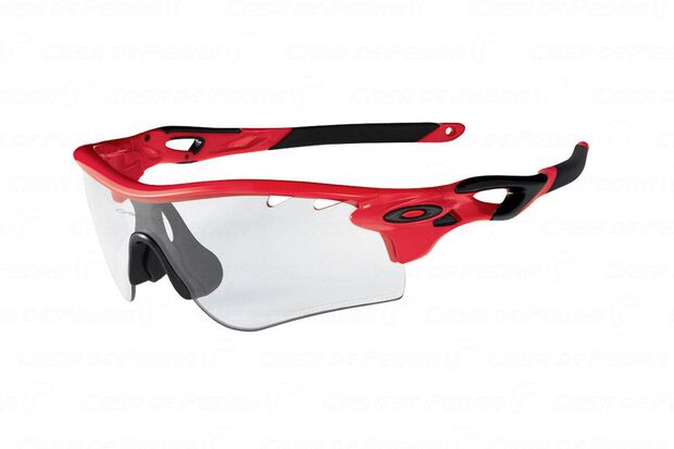 RB-Oakley-Radar_Photocromic