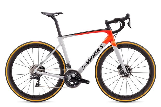 RB-Specialized-Roubaix-S-Works-2019-DI2-DOVGRY-RKTRED-BLK_HERO