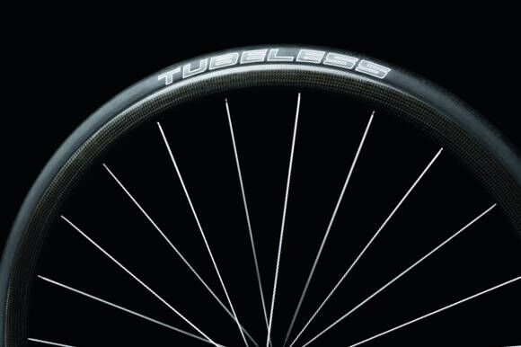 RB-Ultremo-ZX-Tubeless-Logo (JPG)