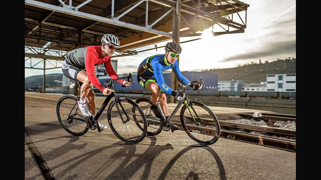 rb-0316-top-rennrad-test-canyon-ultimate-cf-slx-9-punkt-0-ltd-und-cannondale-supersix-evo-hi-mod-team-fahrbild-bjoern-haenssler-TEASER