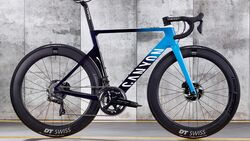 rb-0319-aero-rennrad-test-canyon-aeroad-cf-slx-9-0-disc-bike (jpg)
