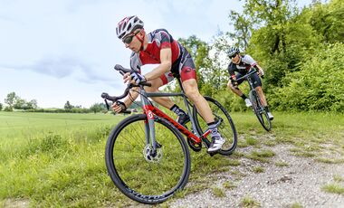 rb-0818-radtest-gravel-bo-3689-high-res-mit-teaser (jpg)