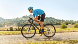 rb-1018-radtest-gravel-cross-canyon-grail-cf-sl-80-di2-mit-TEASER-BO-6489-high-res (jpg)