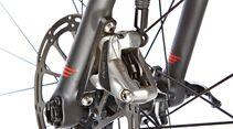 rb-1115-focus-izalco-max-disc-red-detail2-drake-images (jpg)