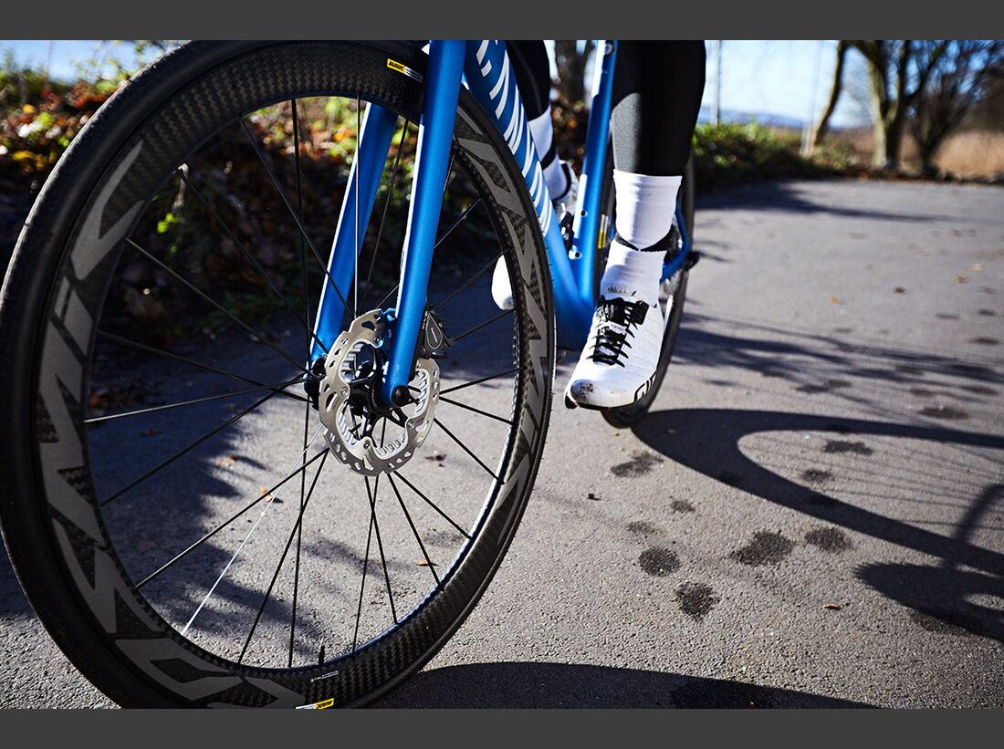 rb-2017-Canyon-Bicycles--Action-(10).jpg