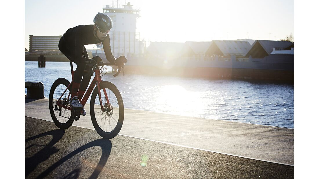 rb-2017-Canyon-Bicycles--Action-(2).jpg