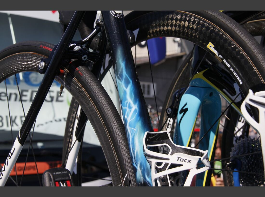 rb-tour-de-france-2016-bern-custom-paint-hohlbaum-specialized-tarmac-nibali-_MG_2217.jpg