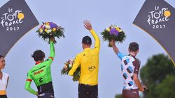 rb-tour-de-france-2017-podium-TEASER